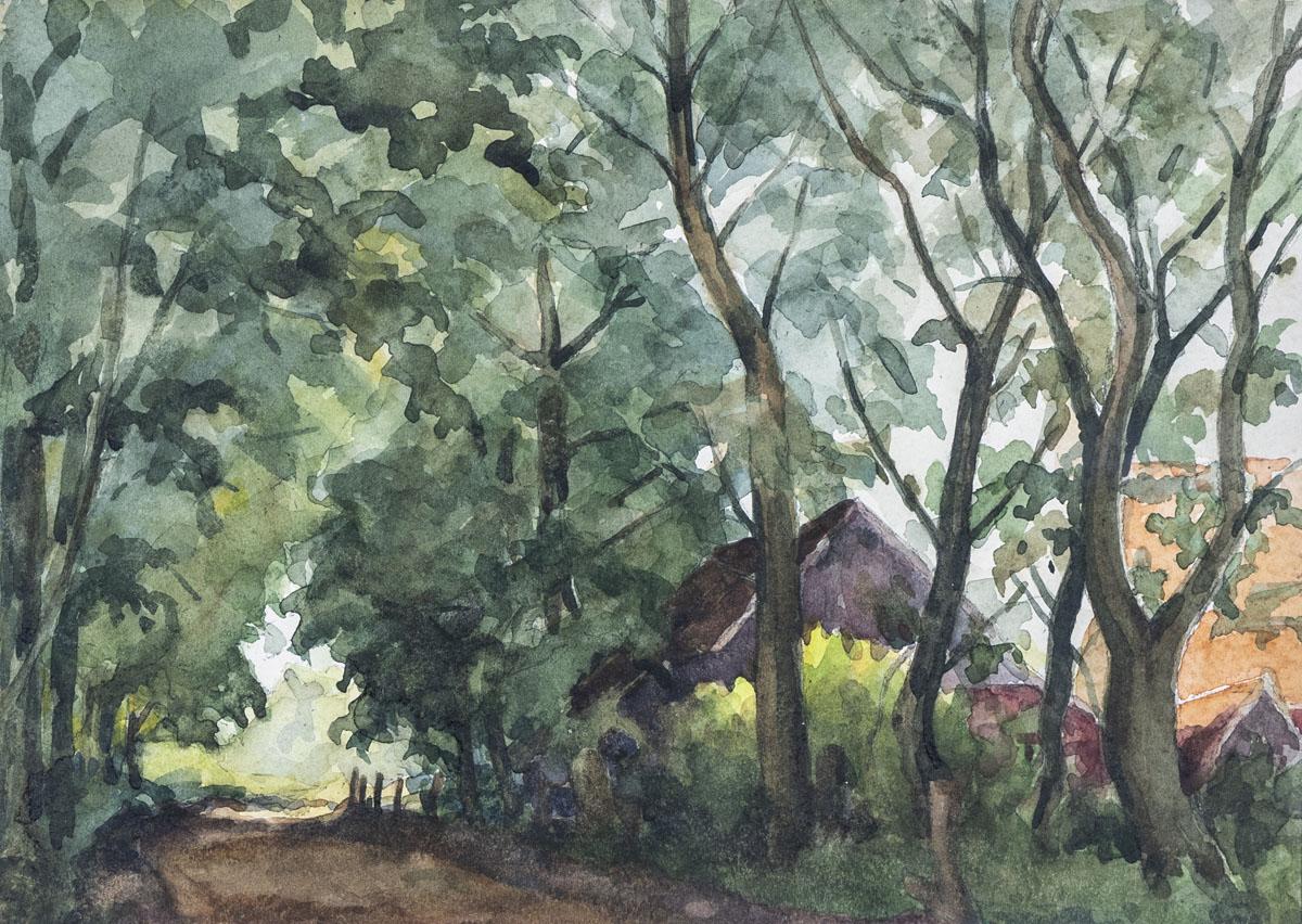 Weg mit Bauernhäusern unter Bäumen